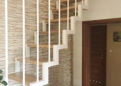 Schody metalowo-drewniane